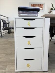 commode planche de sticker banane